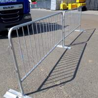 Crowd control barrier with flat foot option, ideal pedestrian barrier for hire and sale